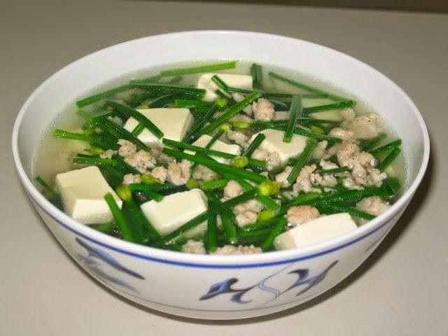 Vietnamese Soup Recipes - Canh đậu phụ nấu hẹ