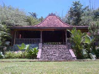 Aula / Pendopo - Villa Roso Mulyo