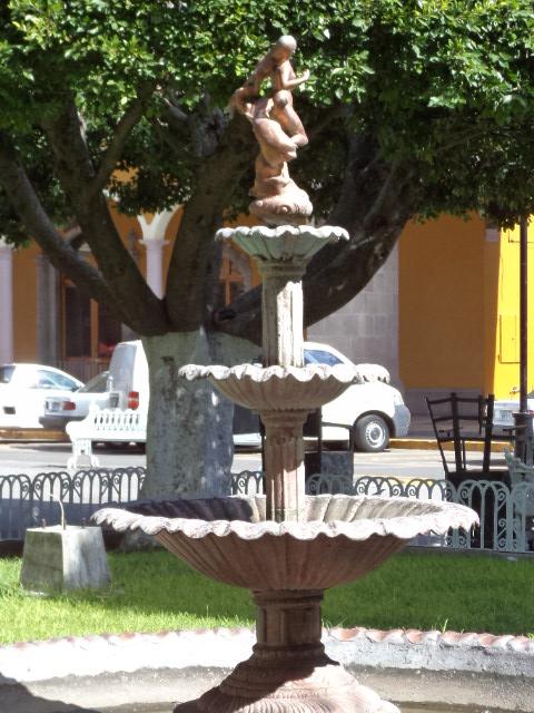 Guanajuato en dos mil imagenes cortazar jard n principal for 7 jardines guanajuato