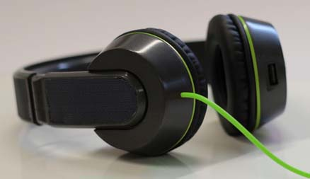 OnBeat Solar Headphone can charge your phone along with the music. Use it on the travel.