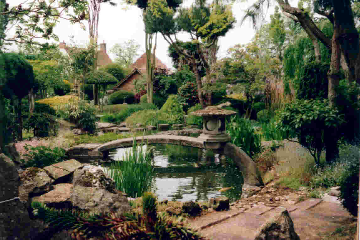 Let 39 s learn japanese japanese gardens nature for Building a japanese garden in your backyard