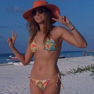 Anabarbara en bikini