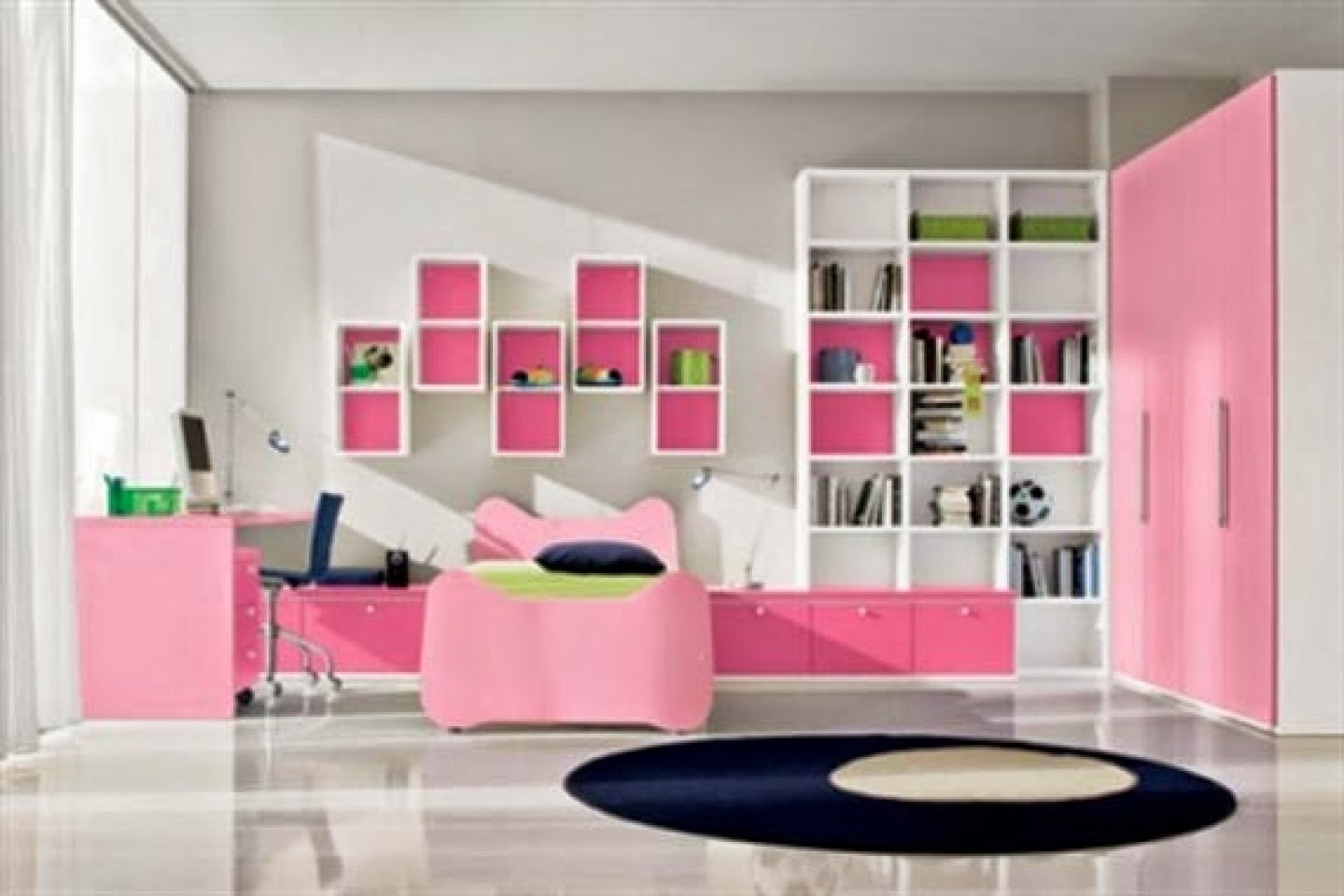 Career Oriented Room For Teens