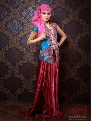 Kombinasi model baju kebaya muslim modern dengan hijab