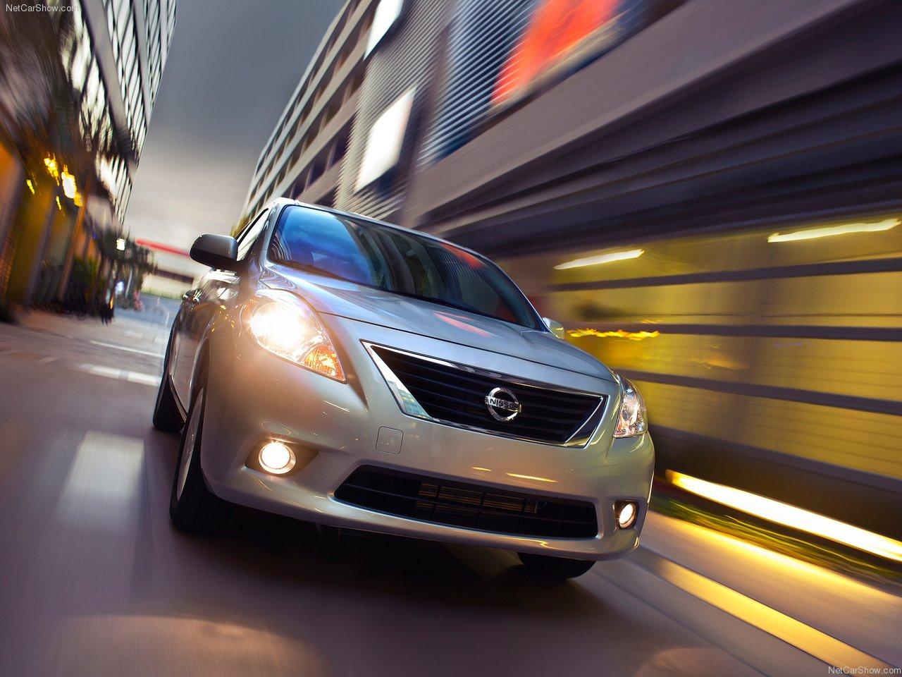 http://4.bp.blogspot.com/-I2MisMe9skQ/Ta8uso7wRQI/AAAAAAACNKE/uJYzcrtvhFw/s1600/Nissan-Versa_Sedan_2012_1280x960_wallpaper_03.jpg