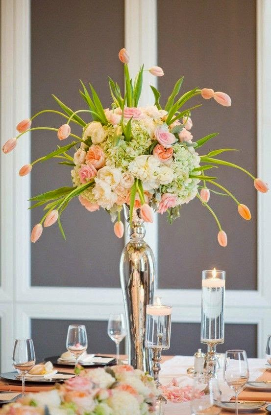 Make Your Wedding Fabulous with Tulips for the Tables