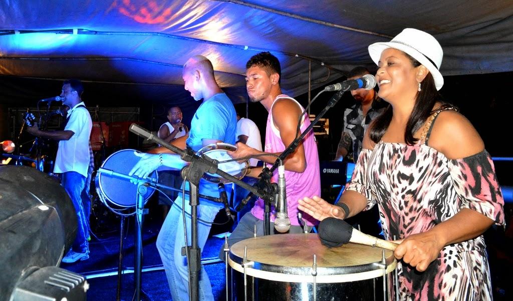 Entre Nós e 5 Estações garantiram a diversão do Carnaval Folia e Paz 2015 no Parque Regadas em Teresópolis