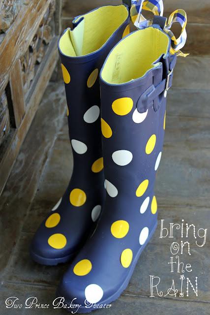 polka-dot-rainboots