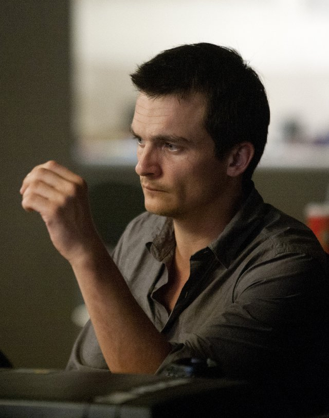 Homeland Rupert-friend-homeland-episode4-still1