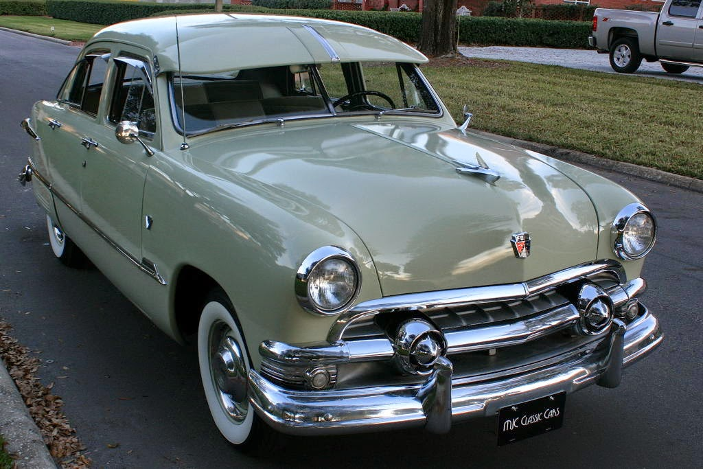 All american classic cars 1951 ford custom deluxe fordor for 1951 ford 2 door sedan