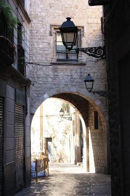 Carrer de Montjuic del Bisbe in the Gothic Quarter