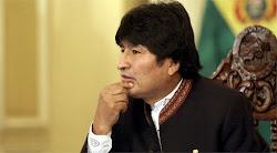 María Galindo de Mujeres trabajando ha calificado duramente a Evo Morales por burlarse de la mujer.
