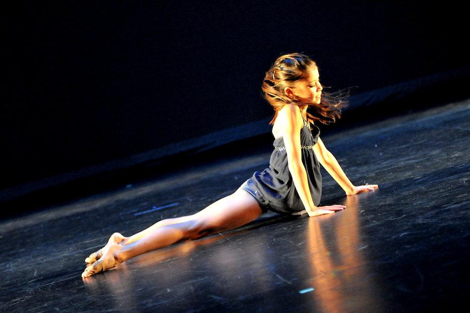 Girls danceing pics 14