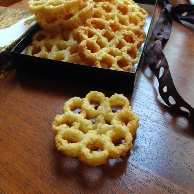 achi-muruku-rose-cookies-6