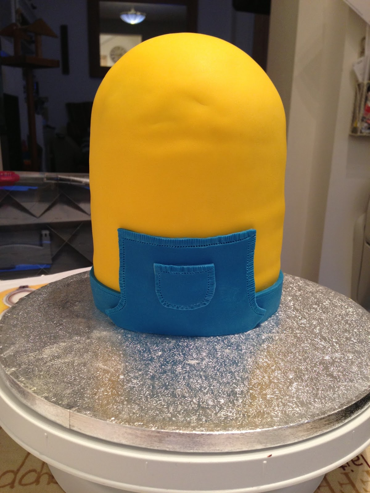 What an awesome cake Despicable Me Minion Cake