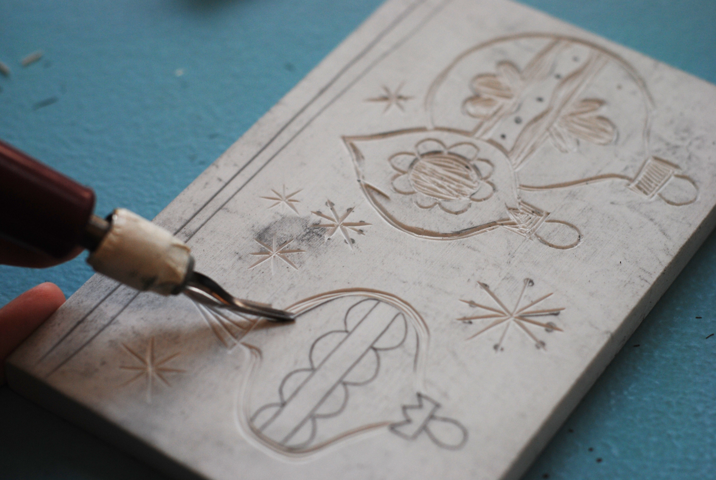 Richie designs linoleum printed holiday cards diy