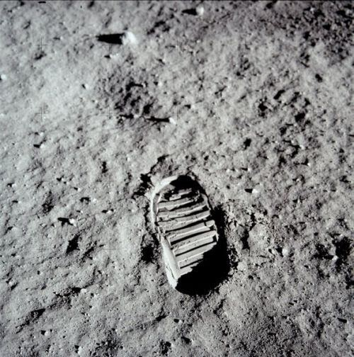Ultimate Collection Of Rare Historical Photos. A Big Piece Of History (200 Pictures) - Footprint on the Moon
