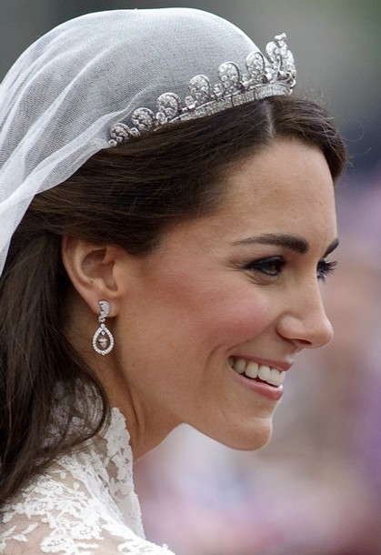 Though This Tiara Is Not A Favorite Of Mine Looks Like Waves Rushing Away From Your Forehead To Me I Think It Was Great Choice Lend Kate