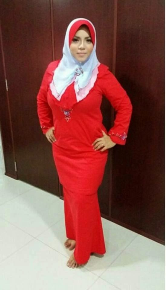 Jilbab HOT ngemut Permen ~ Berbagi Foto