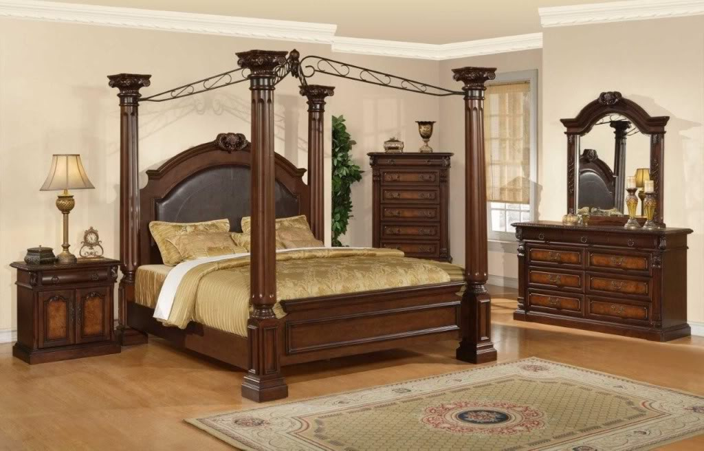 Antique Furniture and Canopy Bed: Canopy Bed Woodworking Plan