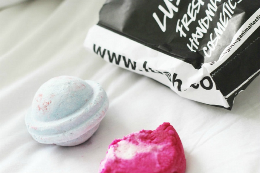 Lush Bath Bomb Favourites: Space Girl and The Comforter Review