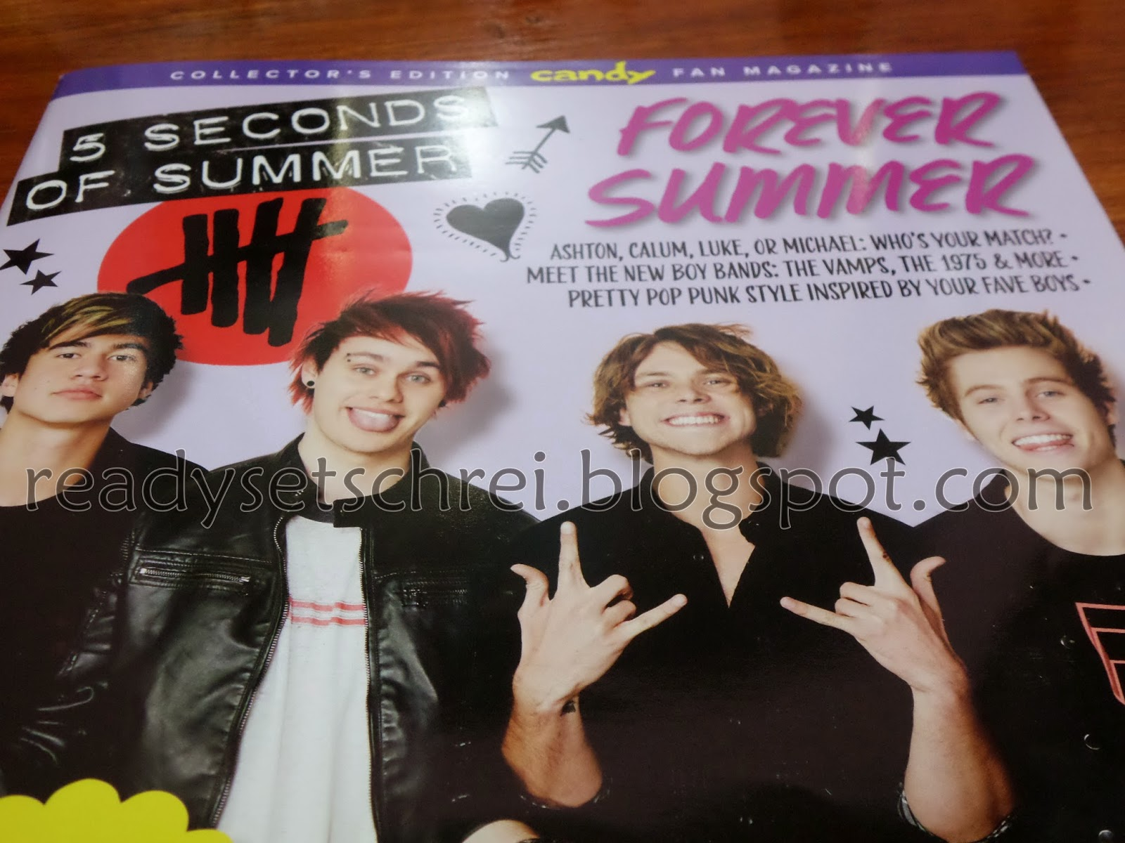 World behind my wall collectors edition candy fan magazine 5 seconds of summer 5sos on the cover yay my mum bought me this magazine yesterday and i am so happpppy it has 5sos stickers back to back poster m4hsunfo
