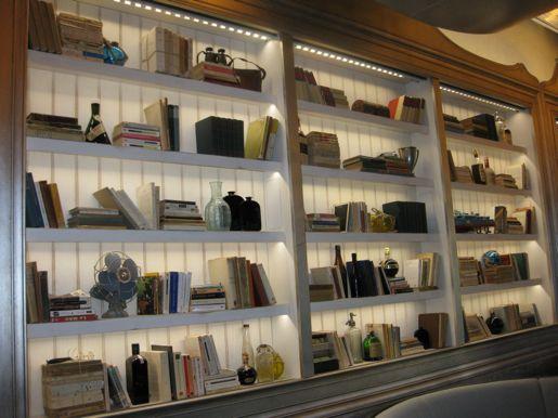 Boiserie c librerie da cambiare