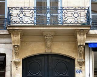 Balcon du 352 rue Saint-Honoré à Paris