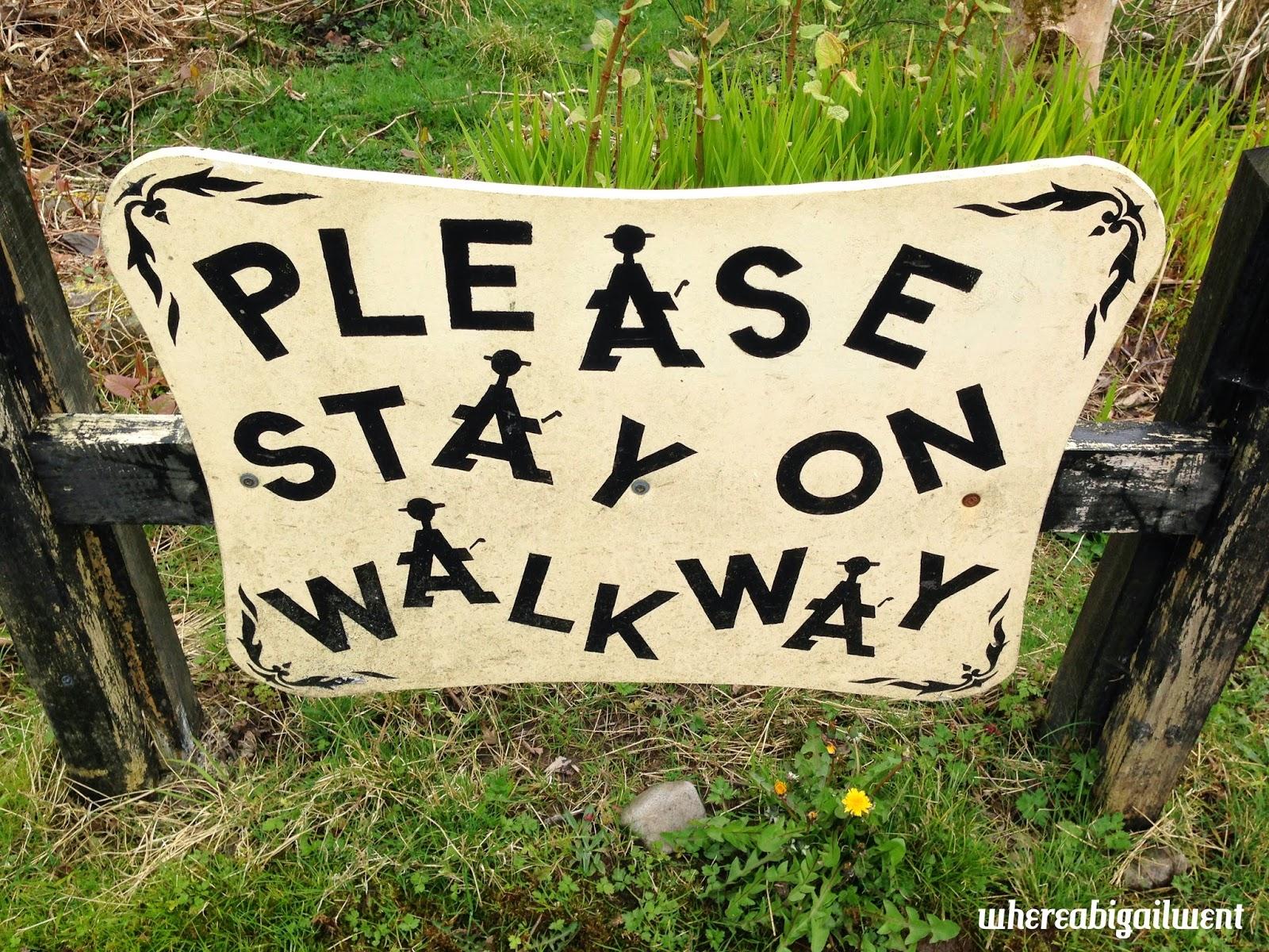 Please Stay on Walkway