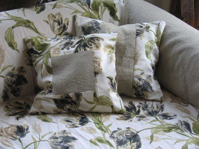 poduszki ozdobne na sofie