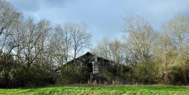 Old Barn Hwy 388 Hickory Ridge Studio