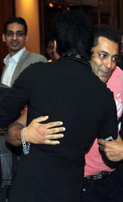 popular (Gambar Foto) Salman Khan dan (Gambar Foto) Shah Rukh Khan ...