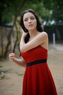 Kristina Akheeva dazzling in red 012.jpg