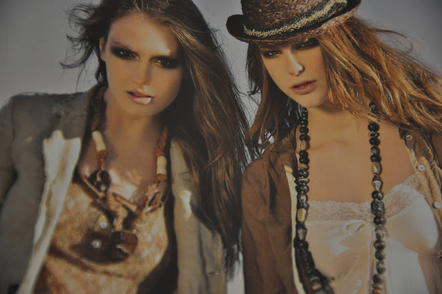 amicizia,le gille,migliori amiche,bionda e mora,due ragazze,amiche