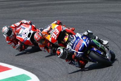 Lorenzo Juara dan Marquez Harus Terjatuh Pada MotoGP Italia