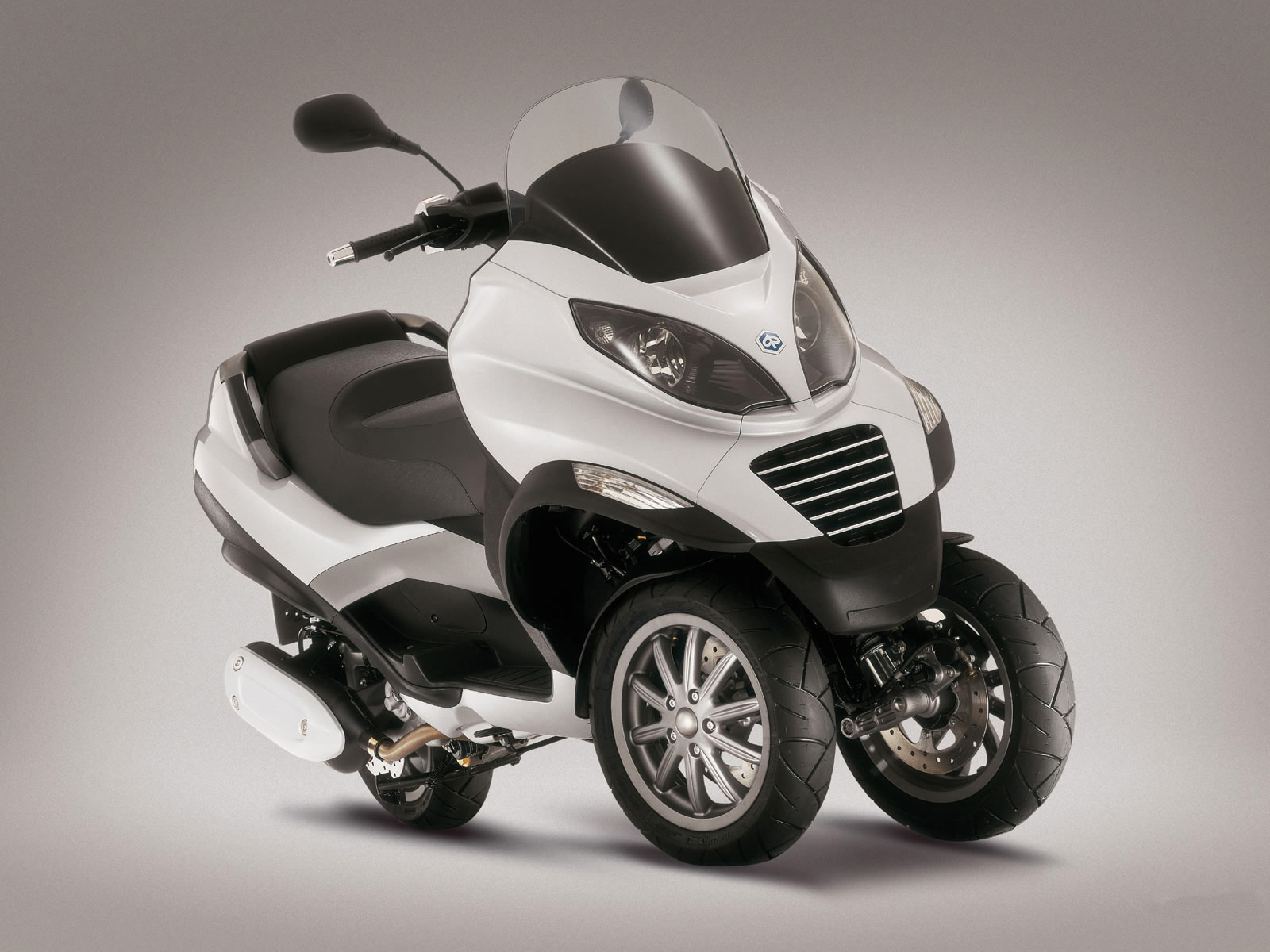 2008 piaggio mp3 125 accident lawyers scooter pictures. Black Bedroom Furniture Sets. Home Design Ideas
