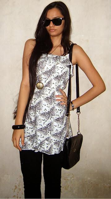 ray ban folding wayfarers, butterfly print tunic, indian fashion blog, wayfarers, black sunglasses, how to wear monochrome