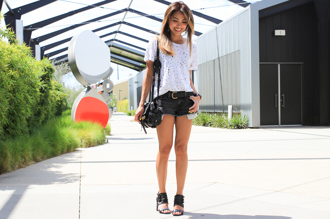 Joe's Jeans Roxanne Tux Tee, All Saints Lowe shorts, Daniel Wellington Classic Sheffield, Jerome Dreyfuss Twee