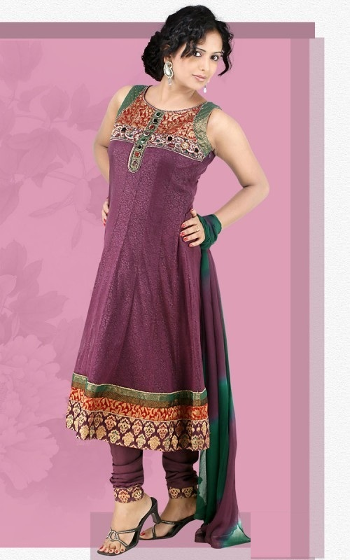 Pakistani Latest Fashion Trends For Women Clothing The