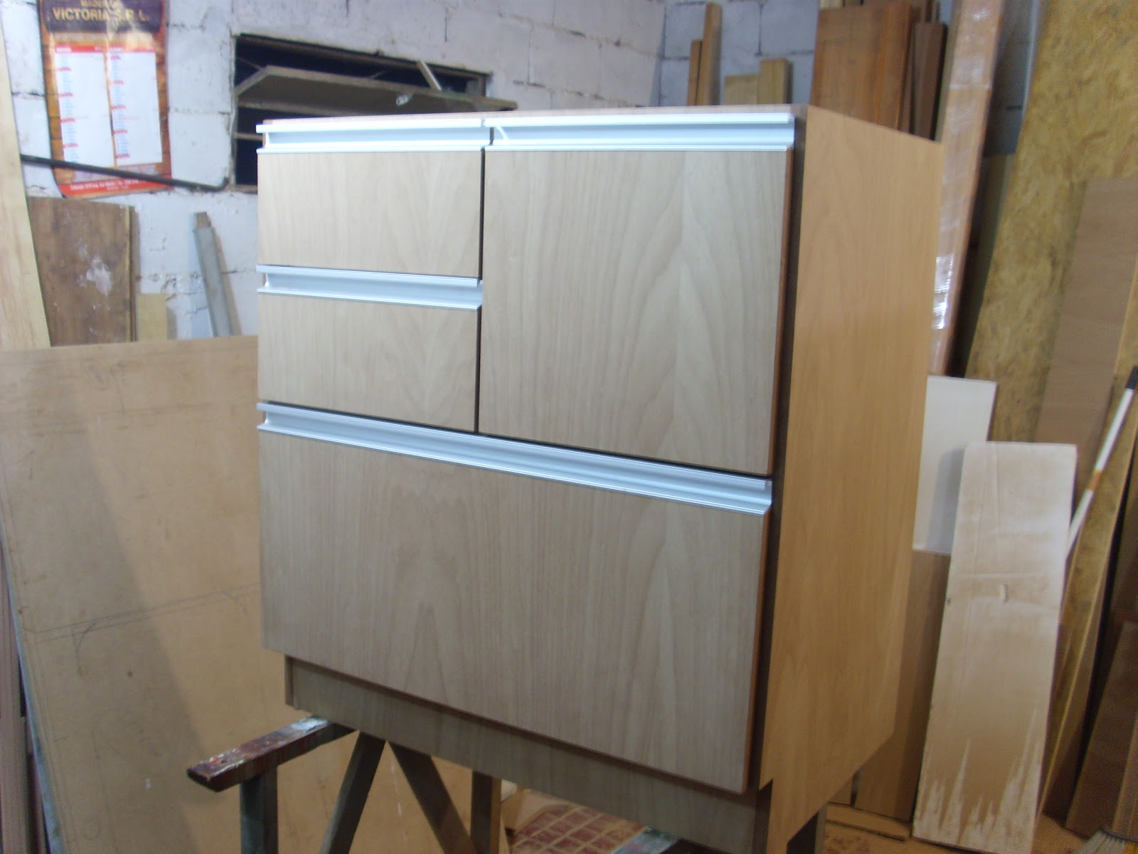 Mueble aéreo de cocina, al igual que los anteriores MDF enchapado en