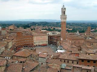 Piazza del Campo em Siena, na Itália