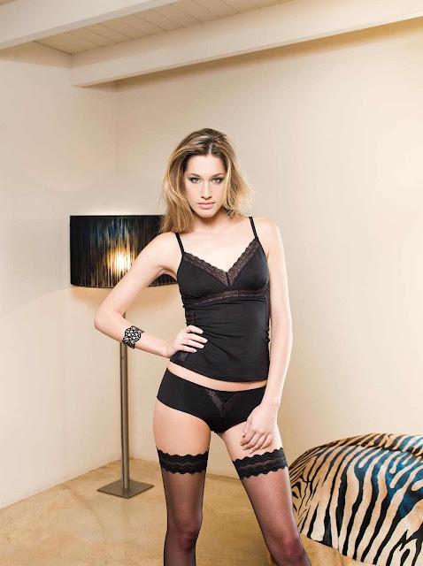 Bianca Gubser sexy in lingerie