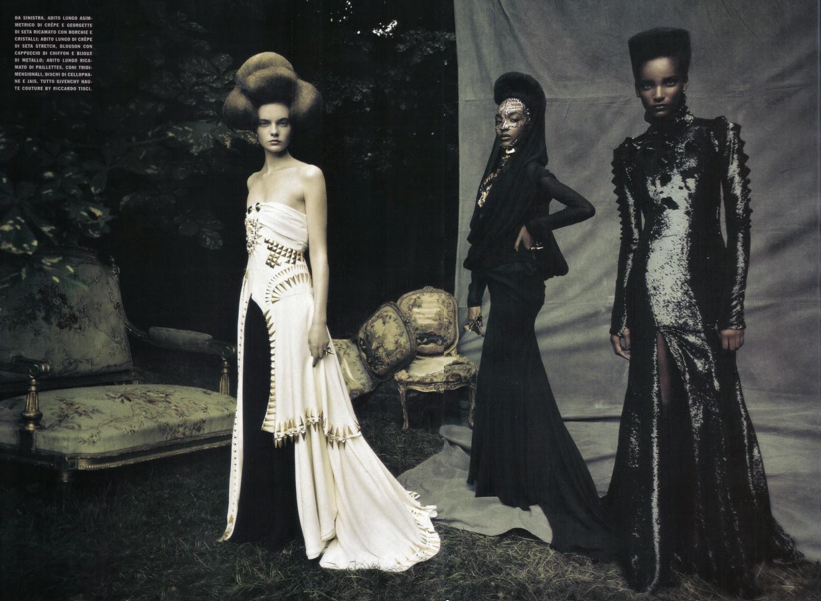 Viktoriya Sasonkina, Jourdan Dunn & Rose Cordero in 'A Dream of a Dress' by Paolo Roversi for Vogue Italia September 2009 | Ses Rêveries