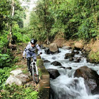 cycling in Ubud, cycling in Bali, outdoor sports in Bali