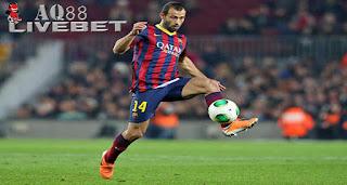 Liputan Bola - Gelandang Barcelona, Javier Mascherano, diganjar kartu merah dalam laga kontra Eibar.