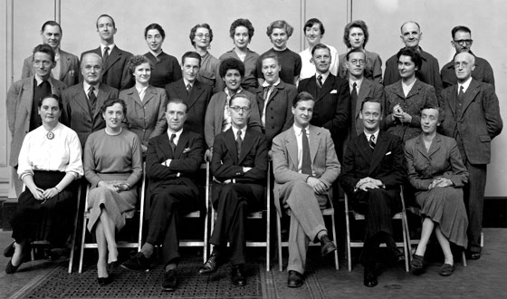 The V&A's Circulation Department photographed around 1953