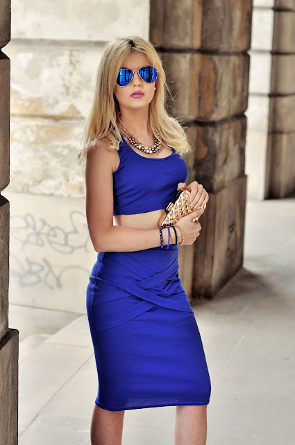 http://www.newdress.com/stylish-lady-womens-casual-sexy-high-elastic-oneck-sleeveless-tank-tops-and-pencil-skirt-set-p-20616.html?utm_source=lb&utm_medium=cpc&utm_campaign=Fionalb76