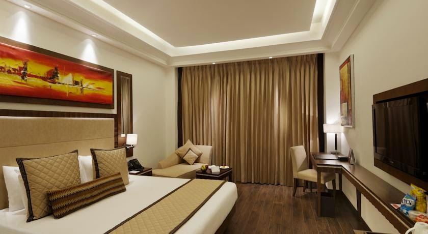 Hotels near Ambience mall Gurgaon