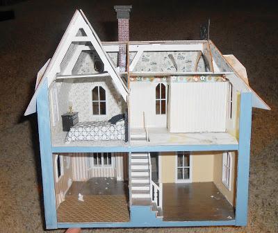 Honey, I shrunk the house!: Undersized Urbanite Dollhouse Contest ...