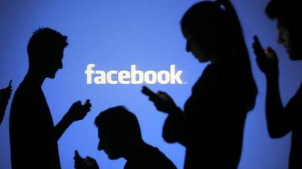 فيسبوك توفر الإنترنت مجانا على الهاتف المحمول بالهند